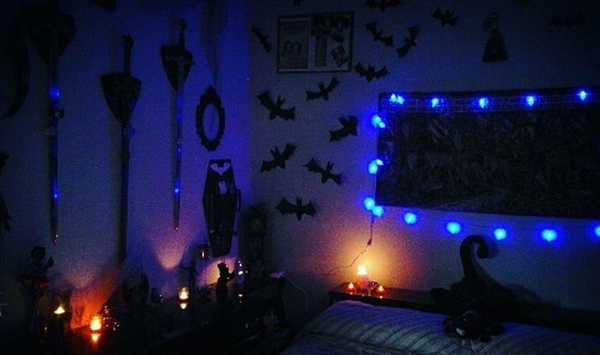Small part of the room! 😍👻 Lights Lights And Shadows Lights In The Dark Ghost Ghost Hunting Fantasmas Pipistrelli Murcielago Murcielagos Bats Batshitcrazy BatCrazy Candles Dark Oscurità Night Witchhat Coffin Coffins  Ataud