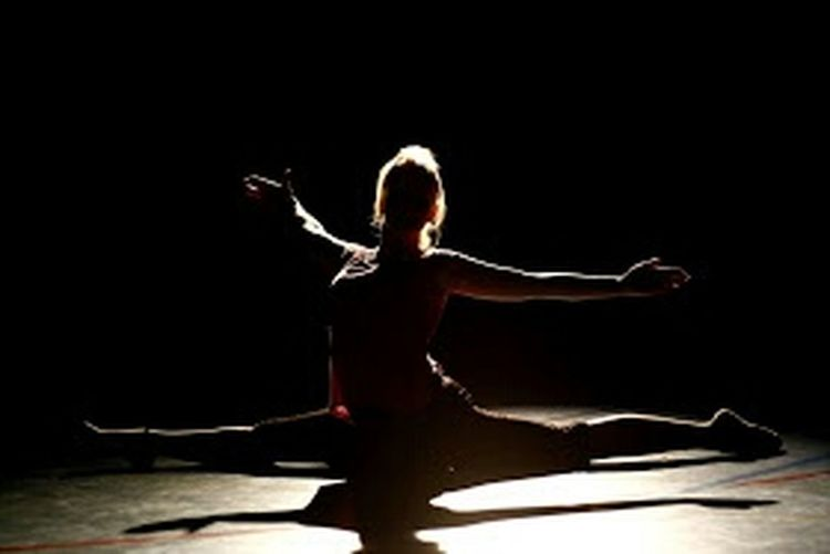 Darkness And Light Taking Photos Dancing Throwback That's Me Silhouette