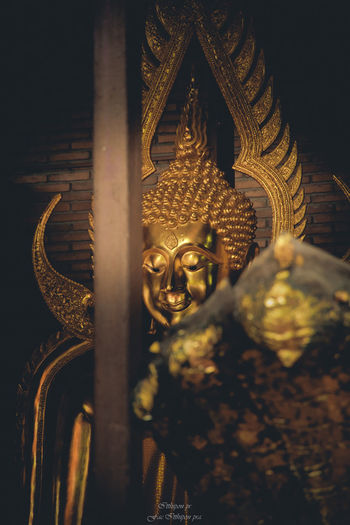 Architecture Art And Craft Belief Building Built Structure Carving Craft Creativity Gilded Gold Gold Colored Human Representation Idol Indoors  Male Likeness No People Ornate Place Of Worship Religion Representation Sculpture Spirituality Statue