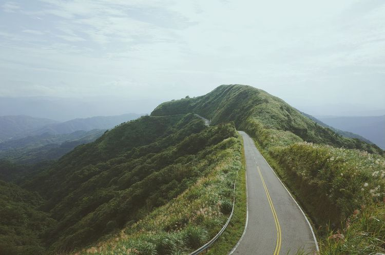 Taiwan EyeEm TaiwanOn The Road Vanishing Point Endlessness The Adventure Handbook Mountains Mountain Road Live For The Story The Great Outdoors - 2017 EyeEm Awards