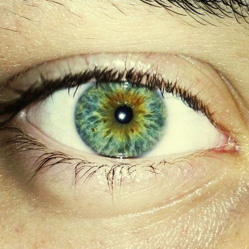 Eyes Changing:)