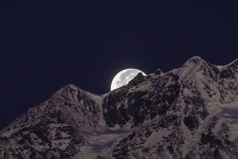 Monte Rosa and the Moon Beauty In Nature Dark Extreme Terrain Fullmoon Landscape Majestic Monte Rosa Moon Moon Light Moon Shots Moon_collection Moonlight Mountain Mountain Peak Mountain Range Mountains Nature Night Remote Scenics Sky Snow Snow Covered Tranquil Scene Tranquility