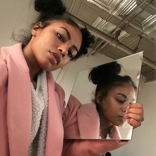 Hairstyle Fashion Street Fashion Streetstyle Urbanstyle Urban Fashion Eyebrows On Fleek Makeup Gorgeous Aesthetics Natrualbeauty Natrual Beauty  Reflection Selfie ✌ Selfie✌ Model