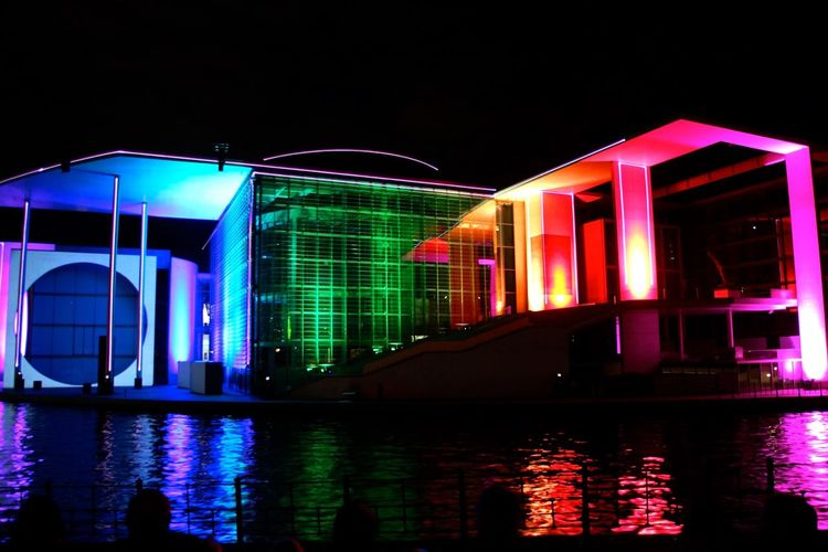 Berlin My Fuckin Berlin Bundestag Water Water Reflections Festival Of Lights 2015 Open Edit All The Neon Lights Learn & Shoot: After Dark Cities At Night Capture Berlin