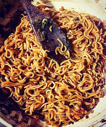 Noodles Noodlesoup Noodle Taking Photos Home Cena Dinner Hello World Enjoying Life Food Foodporn Foodphotography Foodgasm Food Porn Awards Food Porn Show Us Your Takeaway! Vegetables Inpentola Cucinando