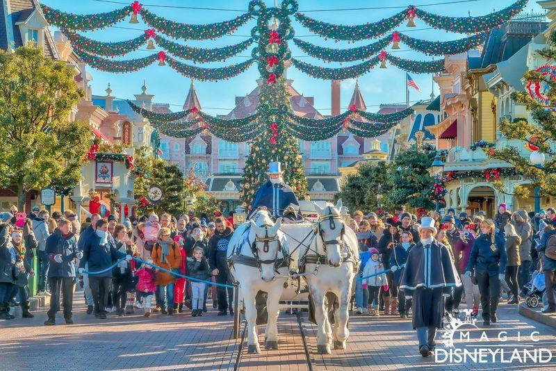 Disneyland Disneyland Paris Annual Event Tourism Disneyland Resort Paris Celebration Hdrphotography Waltdisney Disneylandparis HDR Frozen Disney Magic Christmas Decoration Illuminated Winter Christmas
