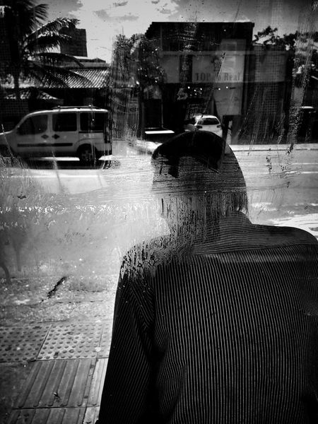 Parada de onibus! Streetphotography Streetphoto_bw Monochrome Monoart Mobilephotography