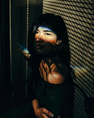 The Portraitist - 2017 EyeEm Awards Only Women One Person Portrait Looking At Camera People Close-up Shadow Bokeh Photography Bokehphotography