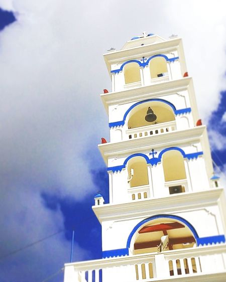 GREECE ♥♥ Greecestagram Greecesummer Architecture Low Angle View Spirituality Religion Church Day Sky History Thira(Fira) Santorini Built Structure No People Beauty In Nature Sun