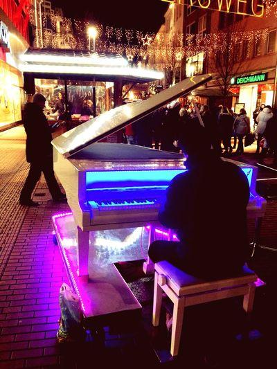 Piano Christmas Outside Light Colours Music Enjoying Life Harmony Natural
