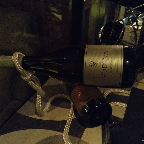 İyi bir şarap eşliğinde çözülemeyecek sorun azdır. Wine Winehouse @incirli_saraphane_ Drink Istanbul