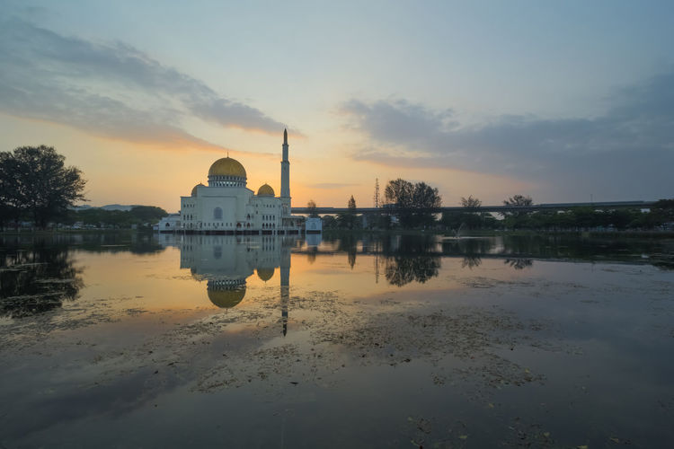 Cloud Morning Reflection Worship Domestic Animals Lakeside Minaret Mosque Serene Sunrise