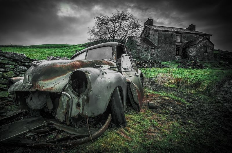 Abandoned farmhouse in the UK Morris Minor Farmhouse Urbex UK Car Scene Wreck Abandoned Places Abandoned Abandon_seekers England