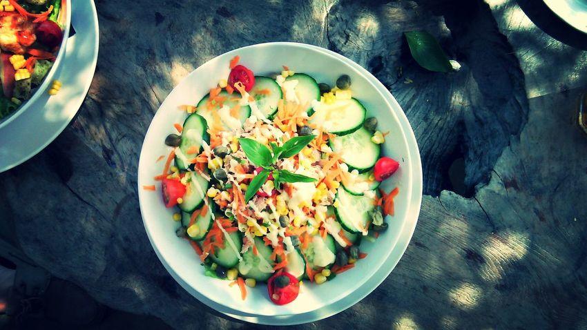 Full colors, full salad... Excelent moments