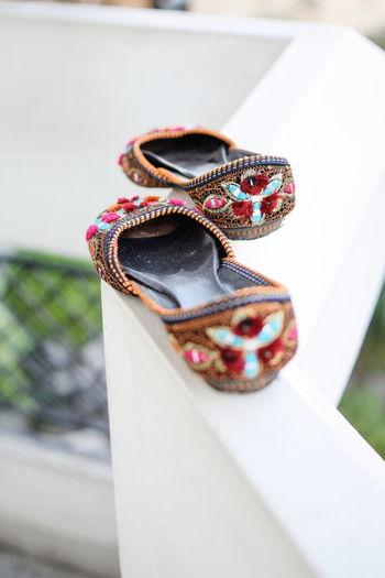InMakin! Ethnicwear Product Photography Randomness Punjabijutti Shoes Footwear Fancy Royal Womensfashion Fashion No People Day Close-up Outdoors