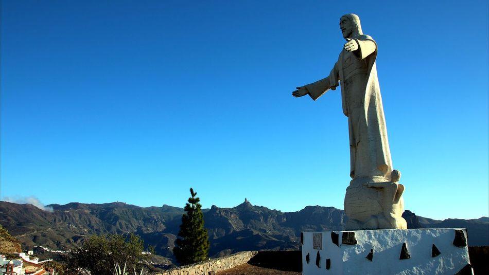 Cristo Statue Mountain Outdoors Sculpture Clear Sky Sky Blue