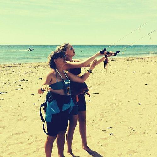 Fly like a bird! - & sooo she did! FlögBortPåMedelhavet ... SharkInSight Kitesurfing
