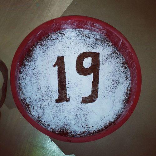 T årta F ödelsedag 19 år Grattistillmej !!!
