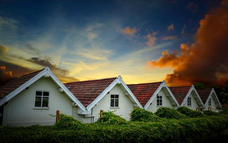 A Warm Yogyakarta Rizabudiarto Riza #Yogyakarta BentengVredeburg Fortress #Fort Sunset House Multi Colored Sky Architecture Building Exterior Built Structure Cloud - Sky First Eyeem Photo