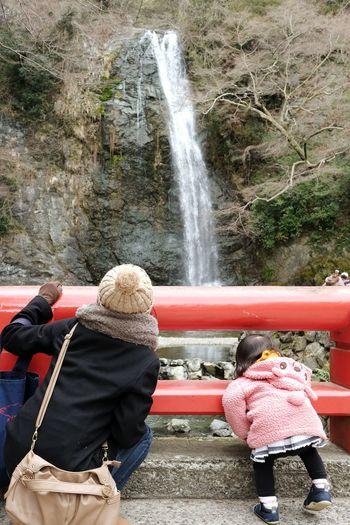 大きな滝に大興奮。 EyeEm Nature Lover Mother & Daughter Waterfall Fuji Xpro1