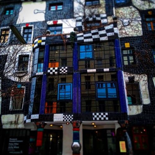 Vienna Bécs Wien Hundertwasser Hundertwasserhauswien Architecture Art Reflection Ilovearchitecture Modern Modernarchitecture Design Abstract Colorful