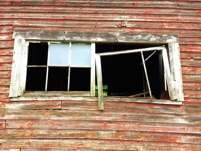 Window Architecture Building Abandoned Building Exterior No People Built Structure Desolate Chance Outdoors Day Wood Painted Multi Colored Bad Condition Rotting EyeEm Selects Sommergefühle EyeEmNewHere Weathered Wood - Material Full Frame Multicolored Run-down Damaged Multicolored Old