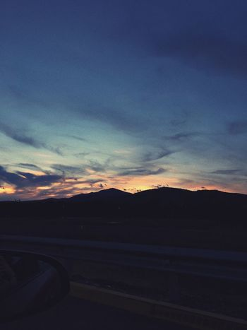 I really need to go out and take some photos😿 Road Sunset Sky Car Road Trip