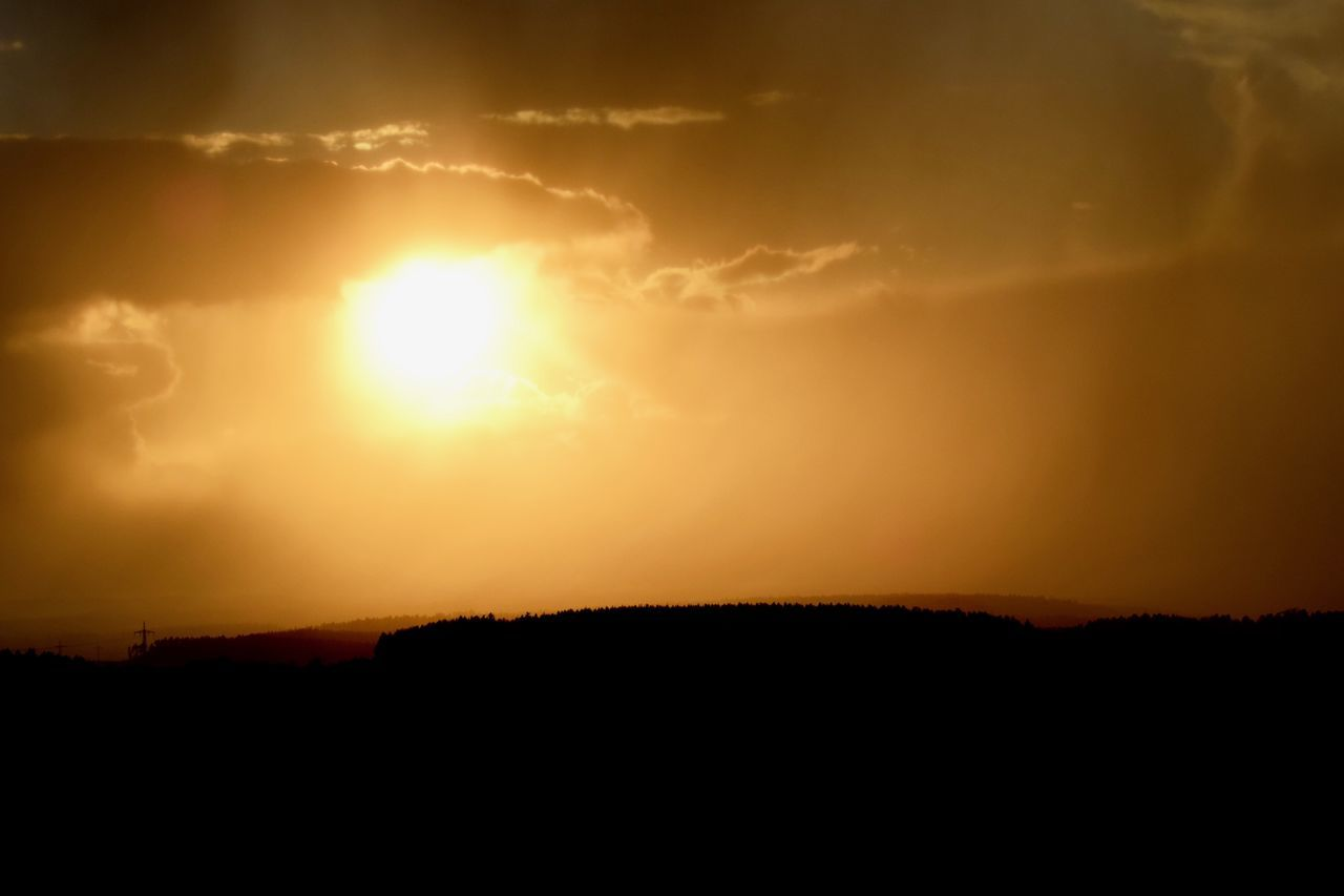 sunset, silhouette, nature, beauty in nature, tranquil scene, scenics, sun, tranquility, sky, no people, outdoors, landscape, day