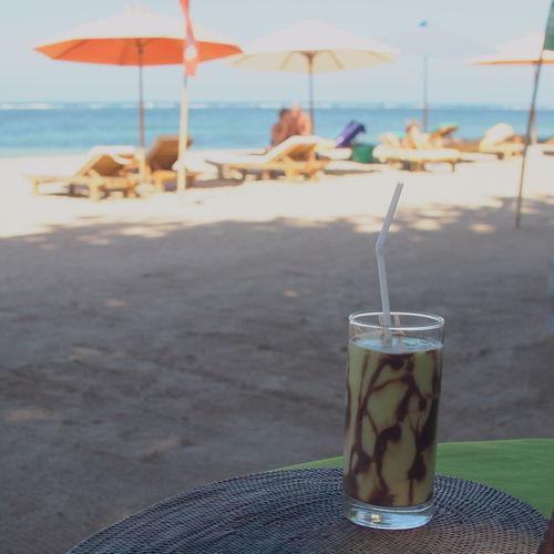 An avocado juice with chocolate sauce. It is Balinese style! Absence Avocado Avocado Juice Beach Life Beachphotography Beachside Fruit Juice Fruits Juice Idyllic Juice Refreshment Tranquil Scene Tranquility Vacations
