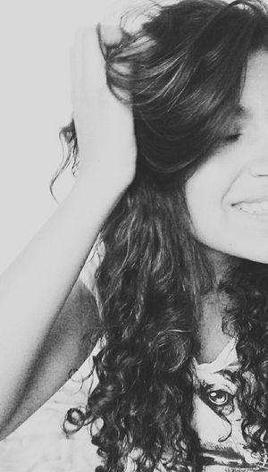Nem sempre o sorriso que trago no rosto e a vida que levo. Revolução Na Sua Vida, Você Pode, Você Faz ! Blackandwhite Hi! Taking Photos Peoplephotography First Eyeem Photo That's Me
