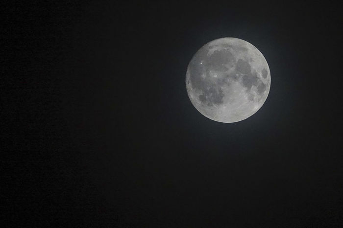 The supermoon seen from Godalming in Surrey, UK. December 2nd 2017. Godalming Moon Surrey Astronomy Beauty In Nature Close-up England Full Moon Half Moon Lunar Lune Moon Moon Surface Nature Night No People Outdoors Planetary Moon Scenics Sky Space Space Exploration Supermoon Supermoon2017 Tranquility