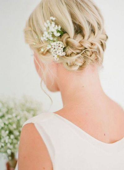 This is the hairstyl I did for a wedding