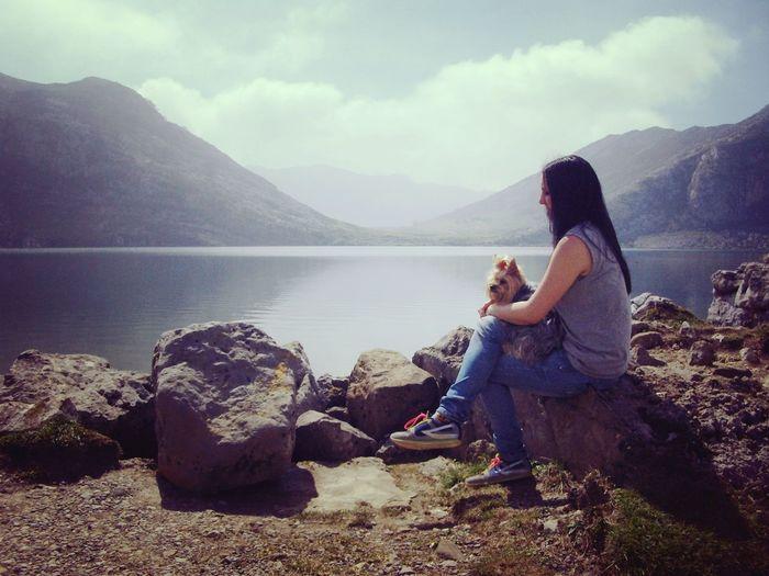 En el Lago Enol. Covadonga Oviedo Asturias ASTURIAS COVADONGA Lagos De Covadonga