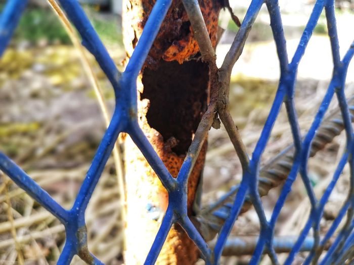 Rusted Fence Rusted Rotten Rust Rusty Urban Urbanphotography Urban Landscape Urban Photography Eyeem Photography Metal Close-up Deterioration Abandoned Damaged Weathered Bad Condition Discarded Run-down Chainlink Security