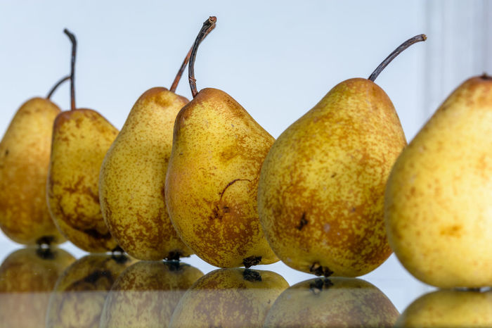 Close-up Focus On Foreground French Riviera Fruits ♡ Hyères Macro Pears Reflections Still Life