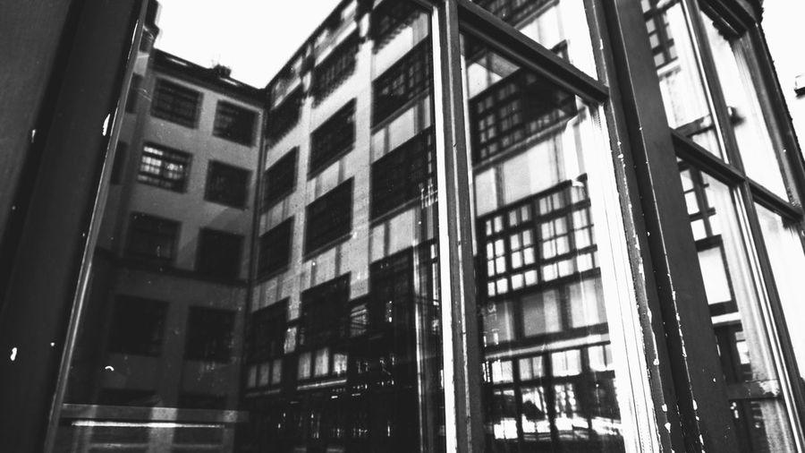 EyeEm Selects Berliner Ansichten Berliner Ansichten EyeEm EyeEm Best Shots Berlin Architecture Built Structure Building Exterior Low Angle View Building City Window Day No People Outdoors Residential District Nature Office Modern Glass - Material Reflection Sky Office Building Exterior Apartment Sunlight