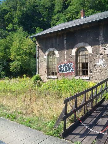 auf dem Weg nach Merzig mit der SaarlandCard Original Photography Z30 Gebäude Verlassen Bahnhof