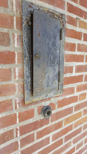 Brick Wall Old Mailbox Cool Different Angle Rust Summer 2016 Stop Look Just Walking Around A Building Small Details Brick Building Jrosemarieb