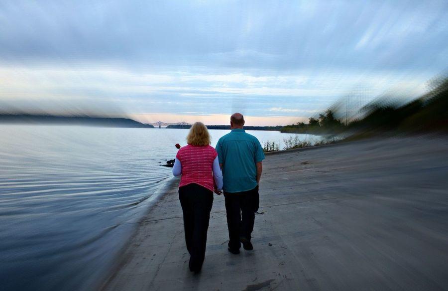 Q Couple Riverside River Riverbank Nature Photography Naturephotography Landscape