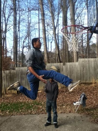 My homie dunking