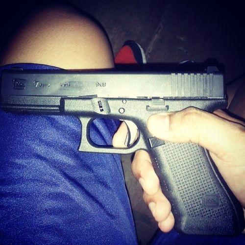 Yes! maka firing nami.. 9mmglock17 Pnp ISSUE Sister hagkapkaau kayalagi