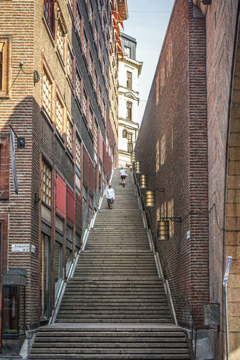 Going up? https://photobymaren.smugmug.com https://www.instagram.com/johnmaren/ https://www.photobymaren.com https://plus.google.com/u/0/+JohanMarengard Architecture Built Structure Direction The Way Forward Staircase Brick Wall Wall Brick Steps And Staircases Low Angle View Stairs Streetphotography Street Photography Looking Up