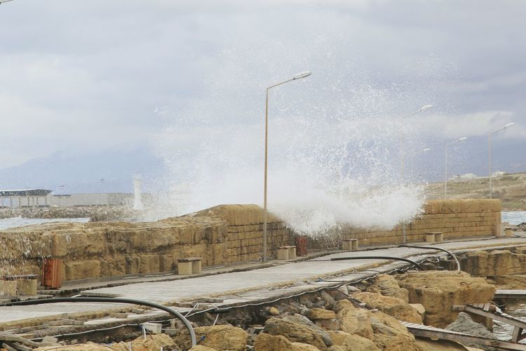 Blue Wave Girne/ Kıbrıs Girne Limani Kyrenia Sea Waves Waves Crashing Strom
