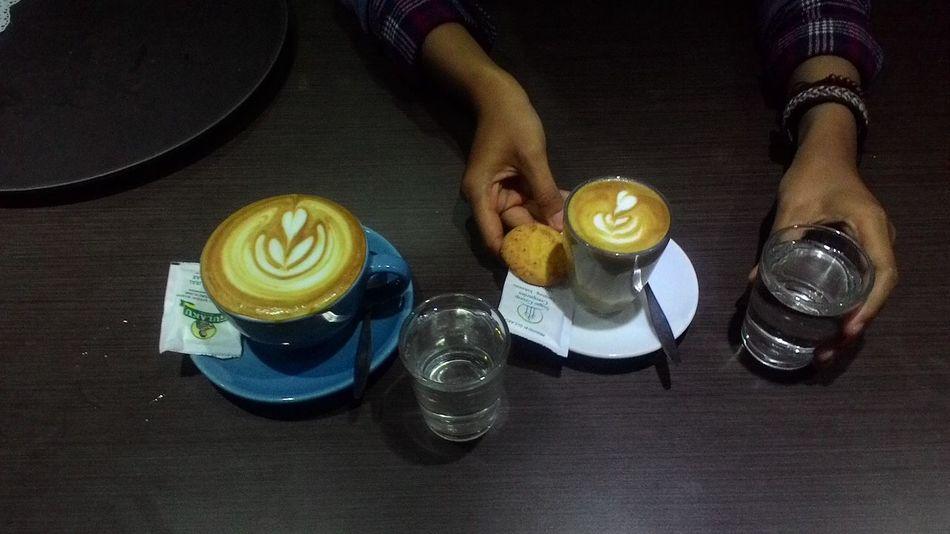 Cafe Latte Orchestrale Latteart Coffee And Cigarettes Coffeemachine Coffee Time Drinking A Latte Espresso Machine Barista Baristalife