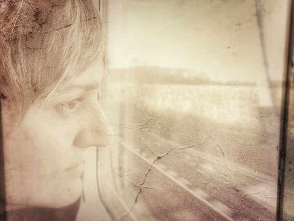 Laura Love Ispirations Travel Train Photo Editing Enlight Woman Portrait Of A Woman EyeEm Woman