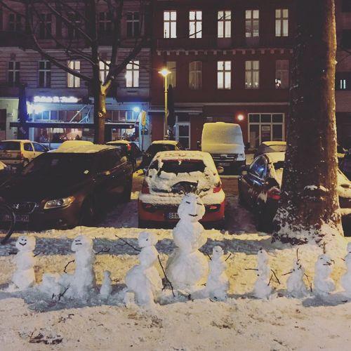 Snowmen Family Snow Berlin Prenzlauerberg Schneemann Schneemann Bauen Discover Berlin