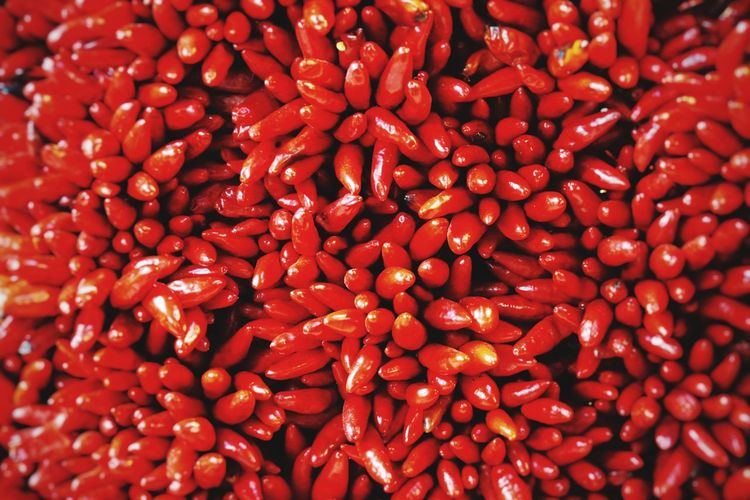 Some like it Hot Backgrounds Red Full Frame Spice Close-up Food And Drink Red Chili Pepper Chili Pepper Mexican Food Pepper - Vegetable Salsa Nacho Chip Pepper For Sale Chili  Market Stall Farmer Market