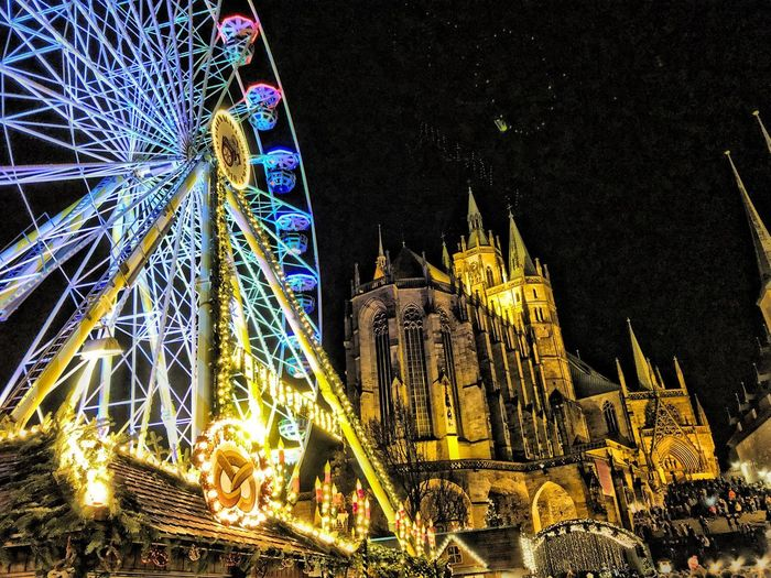 Weihnachtsmarkt in Erfurt Illuminated Night Architecture Low Angle View Built Structure Building Exterior Christmas Arts Culture And Entertainment Christmas Decoration Decoration Amusement Park City Travel Destinations Sky Building Outdoors No People Nature Tourism