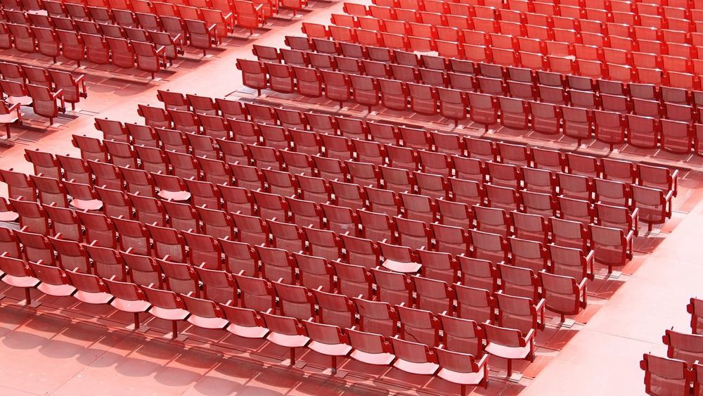 Business Finance And Industry One Person One Woman Only Only Women People Business Adult Adults Only Outdoors Day Arena Di Verona Arena Di Verona, Italy Arenadiverona Arena Be. Ready.
