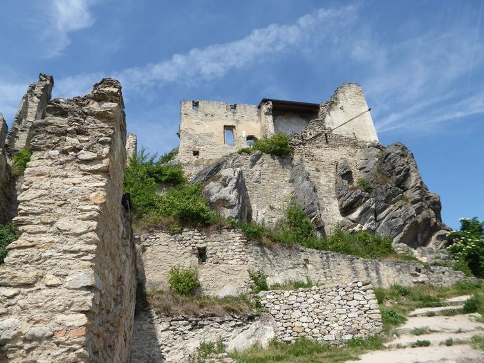 The Way Up/down To The Ruin🤗 Burgruine In Dürnstein/Wachau The Great Outdoors - 2017 EyeEm Awards Tranquility Leisure Activity Holiday In Austria For My Friends 😍😘🎁 My Soul's Language Is📷 On The Way Up To The Ruin Idyllic Scenery Live For The Story Thankfulforever Travel Destinations Enjoying The View Simple Beauty Looking Up😍 History Richard Löwenherz Lost In The Landscape